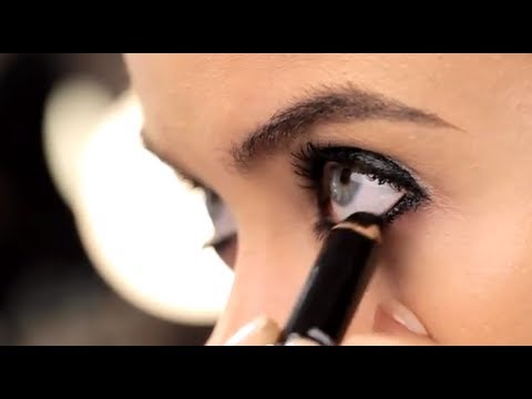 How To Wear Black Eye Makeup: Smoky Liner