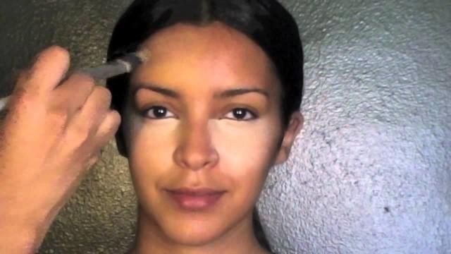 Kim Kardashian Makeup- Concealer/Foundation Tutorial