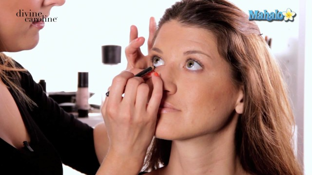 How to Apply Eye Makeup for Glasses Wearers