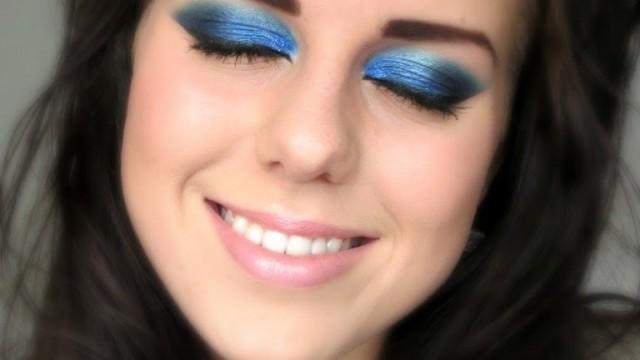GRWM: Remake 'Navy & Gold Party Make-up' by Lauren Curtis