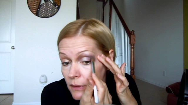 Natural Looking Makeup for Green Eyes and Mature Skin