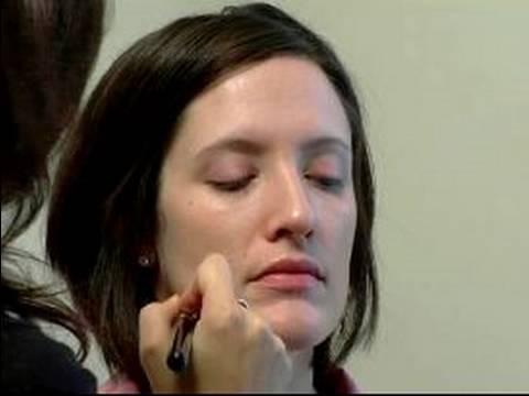 Bridal Makeup Tips : How to Apply Bridal Makeup Foundation