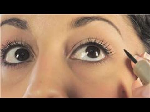 Makeup: Lips & Eyes : How to Apply Eyeliner to Big Eyes