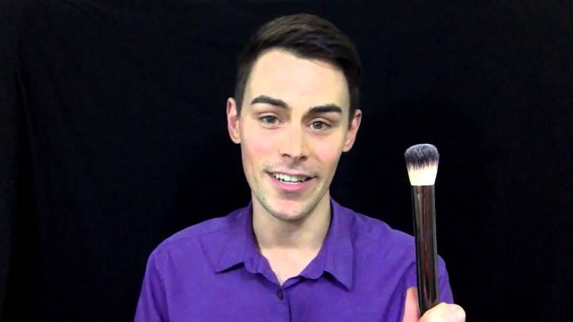 How to choose and apply Foundation Primer with Make-up artist Justin Tyme