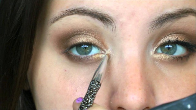 Tutorial: Easy Universal Prom Makeup