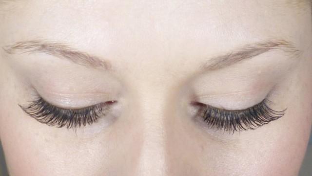 Natural Looking False Eyelashes & Makeup Tutorial!